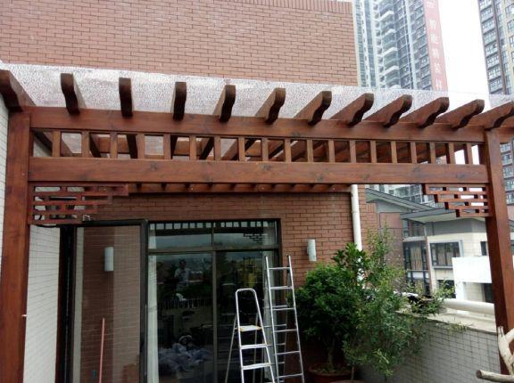 阳台铺设防腐木2
